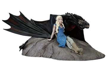 GAME OF THRONES - DAENERYS AND DROGON - STATUA 17X22CM