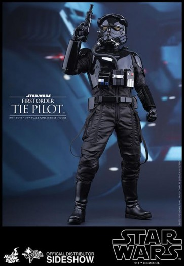 STAR WARS EPISODE VII - TIE PILOT 1ST ORDER- 12' FIGURE HOT TOYS
